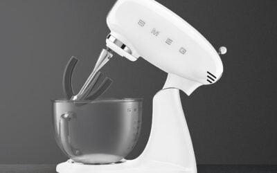 Novi kuhinjski mešalniki Smeg SMF13.. in SMF03 so pravi hit